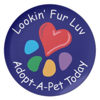 Piel Luv de Adoption_Heart-Paw_Lookin del mascota Plato Para Fiesta