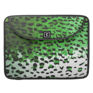Pieles reales de la reina del leopardo de la verde funda macbook pro