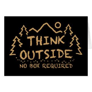 Piense afuera, ninguna caja requerida tarjeta de felicitación