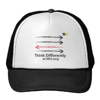 Piense diferentemente - dirigido en la dirección c gorras de camionero