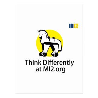 Piense diferentemente - el caballo en el regalo de postal