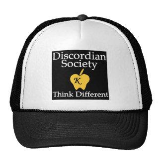 Piense diverso gorra