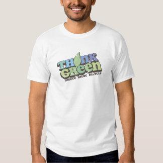 Piense el Día de la Tierra verde Remeras
