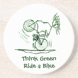Piense el paseo verde una bici posavasos cerveza