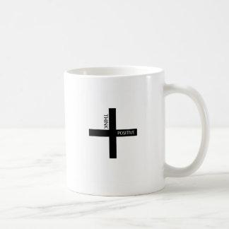 Piense el positivo taza