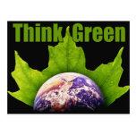 Piense el verde tarjeta postal