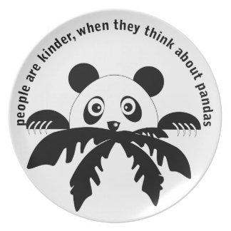 Piense en la placa de las pandas plato para fiesta