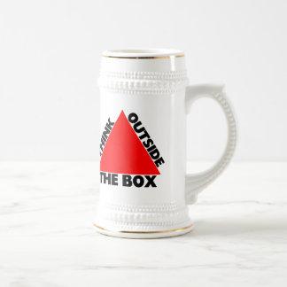 Piense fuera de la caja con el triángulo