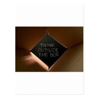 Piense fuera de la caja en Blackboard.jpg Postales