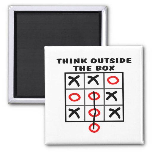 Piense fuera de la caja imán cuadrado