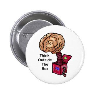 Piense fuera de la caja pin redondo 5 cm