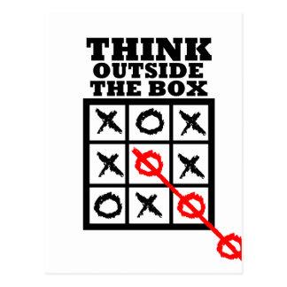 Piense fuera de la caja postales