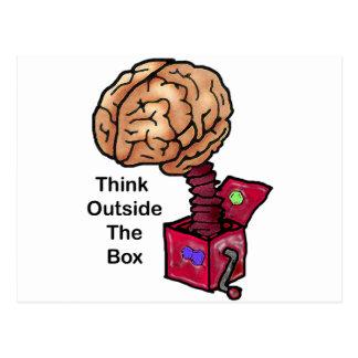 Piense fuera de la caja tarjetas postales
