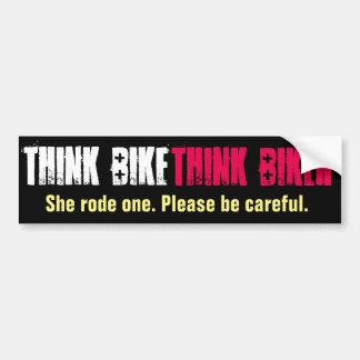 Piense la bici que ella montó pegatina para auto