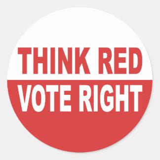Piense la derecha roja del voto pegatina redonda