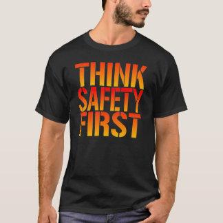 Piense la seguridad primero playera