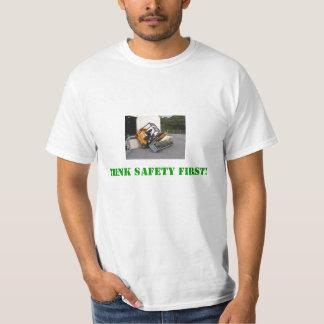 ¡Piense la seguridad primero! Polera