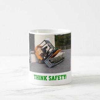 ¡Piense la seguridad! Taza Básica Blanca