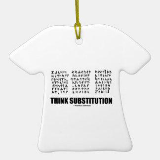 Piense la substitución (criptograma rúnico Jules Adorno De Cerámica En Forma De Camiseta