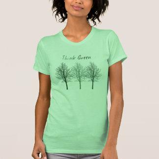 Piense los árboles verdes playera