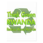 Piense Rwanda verde Tarjeta Postal