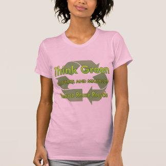 Piense St Pierre verde y Miquelon Tee Shirts