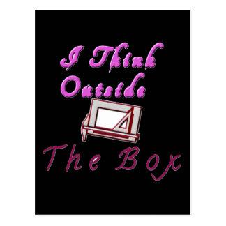 Pienso fuera de la caja de ZA Tarjetas Postales