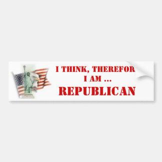 Pienso, por lo tanto soy republicano pegatina para auto