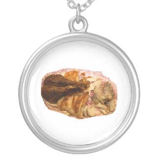 pierna y carne de pavo en el disco blanco rojo joyerias personalizadas