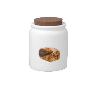 pierna y carne de pavo en el disco blanco rojo jarras para caramelos