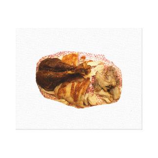 pierna y carne de pavo en el disco blanco rojo lienzo envuelto para galerias