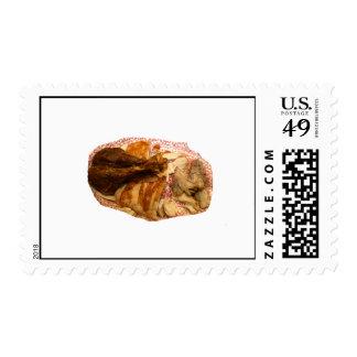 pierna y carne de pavo en el disco blanco rojo sello