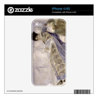Pierre A Renoir | Madame Monet on a Sofa Skin For The iPhone 4