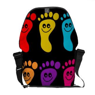 Pies coloridos bolsas de mensajería