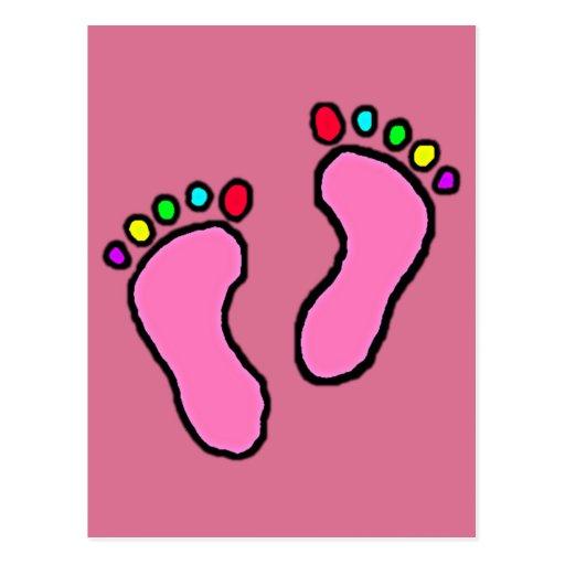 Pies coloridos de fondo violeta rojo pálido del postal