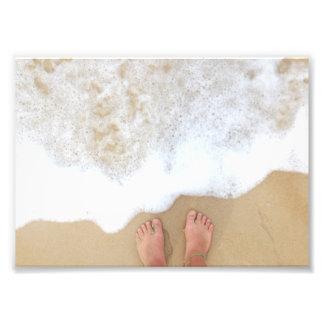 Pies de la playa en la espuma arte fotografico