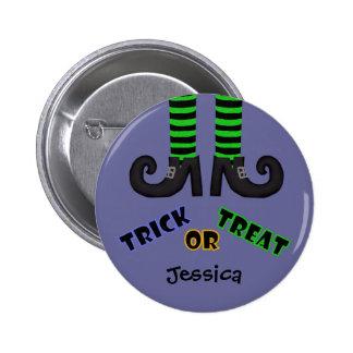 Pies de las brujas: Botón del truco o de la invita Pin Redondo De 2 Pulgadas