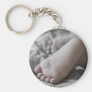 Pies del bebé llavero redondo tipo pin