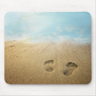 Pies en el mousepad de la playa alfombrilla de raton