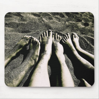 Pies en la playa tapete de ratones