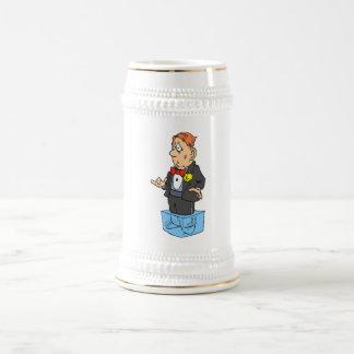 Pies fríos escardar jarra de cerveza