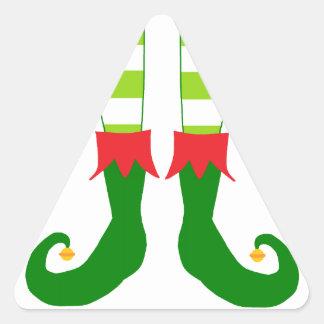 Pies lindos del duende del navidad pegatina triangular