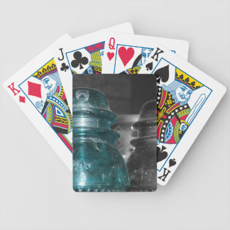Pieza azul de la foto de los aisladores coloreada barajas de cartas