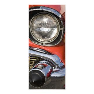 Piezas y linterna clásicas del cromo del coche anuncios