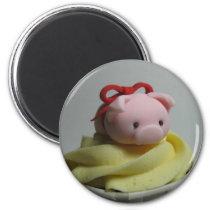 Pig Cupcake Magnet