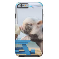 Pig eating ice cream on the beach tough iPhone 6 case