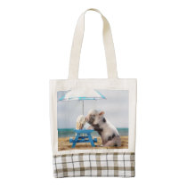 Pig eating ice cream on the beach zazzle HEART tote bag