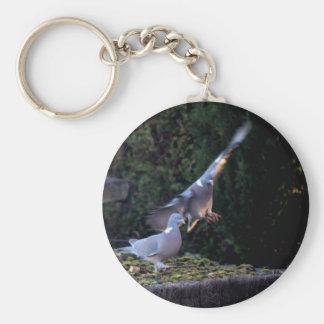 Pigeon flying keychain