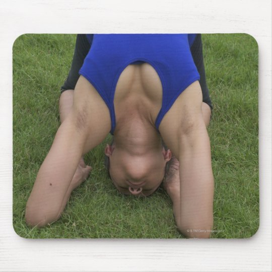 Pigeon pose mouse pad