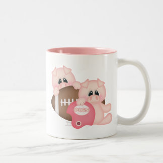 Piggies y fútbol taza de dos tonos